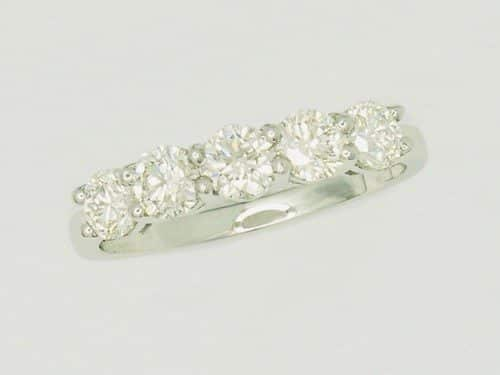 Ladies-Wedding-Rings-1411638